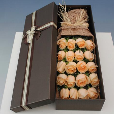 19朵香槟玫瑰礼盒