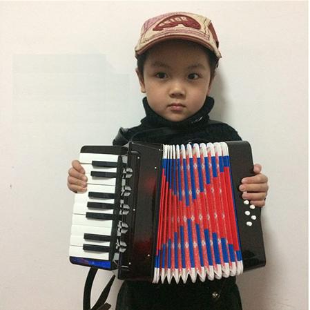 儿童8贝斯手风琴
