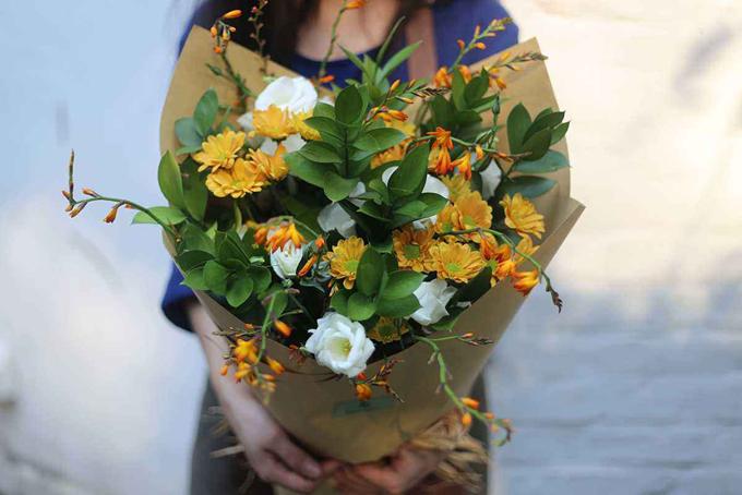 为何男性都爱给女性送鲜花?