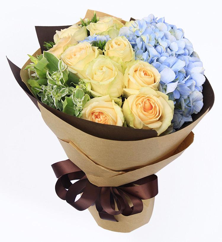 送女孩鲜花,玫瑰可以搭配什