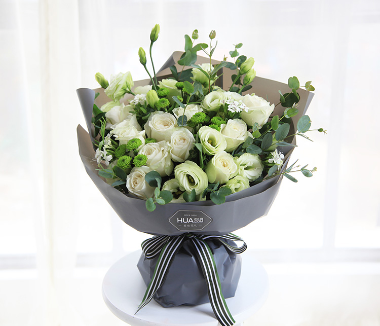 女友喜欢白玫瑰,哪些白玫瑰