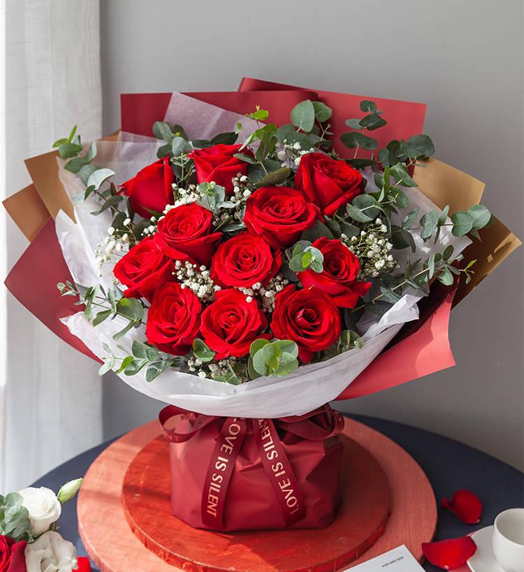 元宵节给爱人送鲜花,祝爱情长久美满