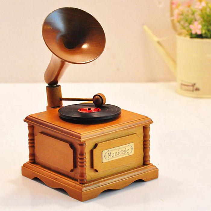 木质复古留声机音乐盒天空之城八音盒男友女
